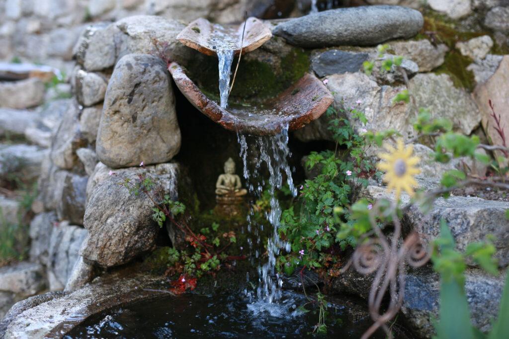 Les jardins du gîte A la lisère à MAyres Ardèche